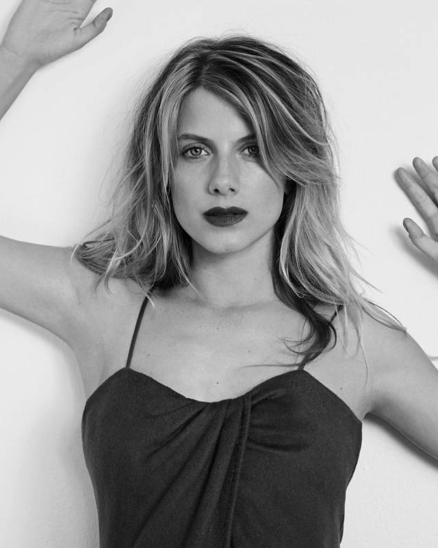 Mélanie-Laurent-too-sexy-pic-min