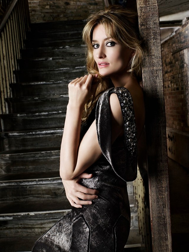 Natascha-McElhone-Hot-Photoshoot
