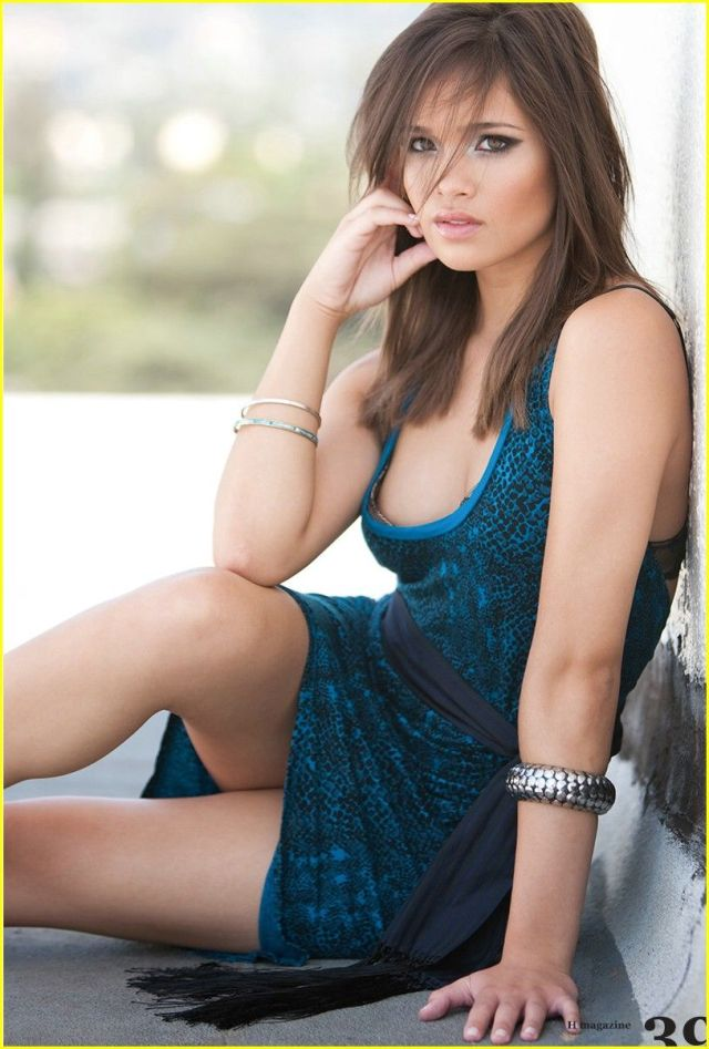 Nicole Gale Anderson hot pictures (1)
