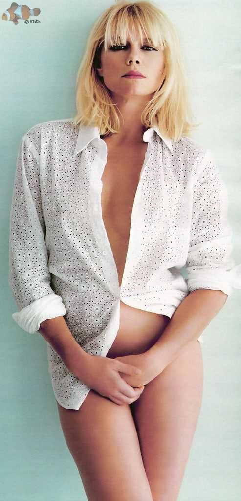 Peta Wilson hot look pics