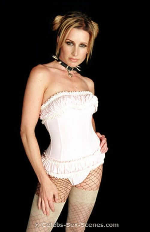 Shawnee-Smith-beautiful-pic-min