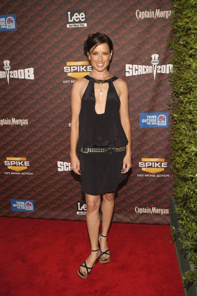 Shawnee-Smith-feet-sexy-min
