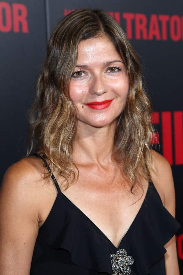 jill hennessy hot cleavage