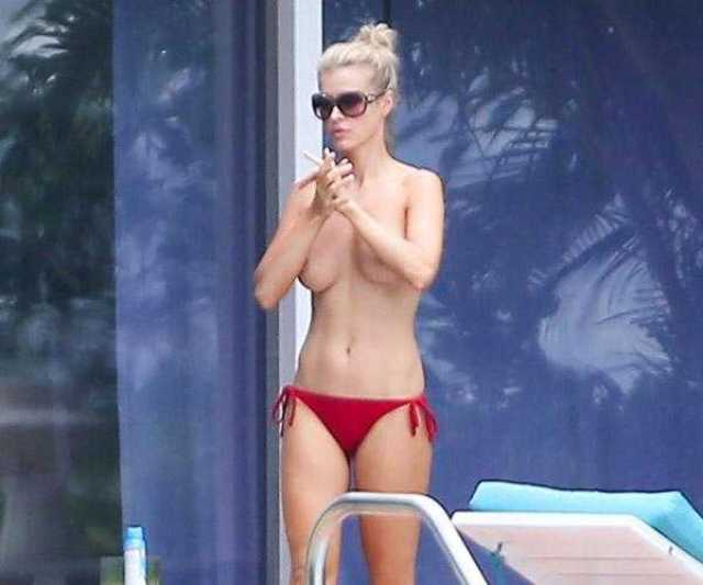 Laurie Holden topless