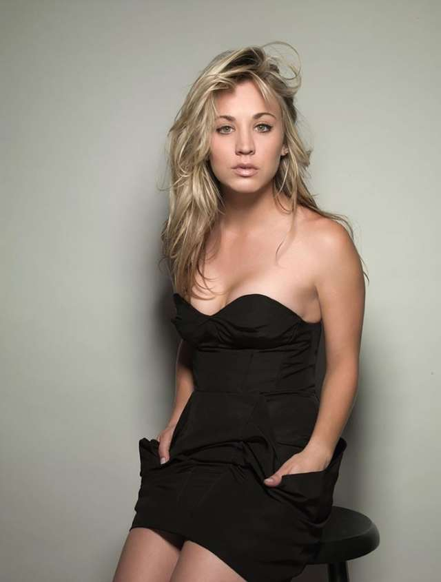Kaley Cuoco topless pics
