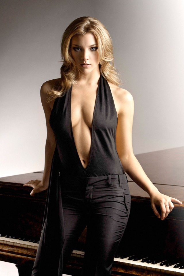 Natalie Dormer hot cleavage pictures