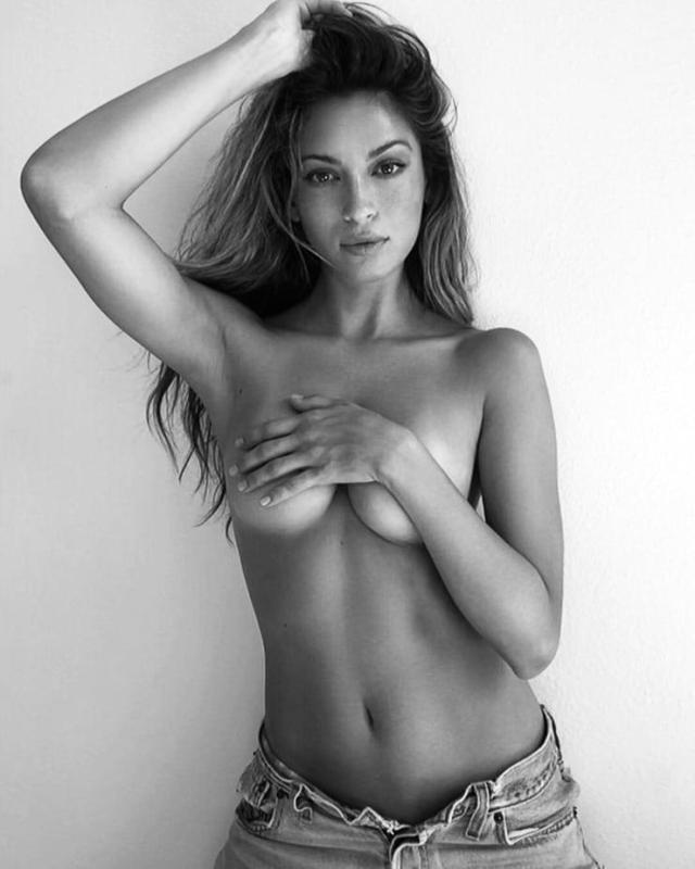 Cassie Amato topless