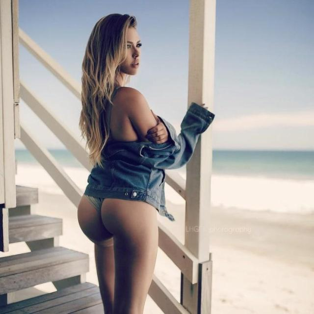 Antje Utgaard sexy butt pictures