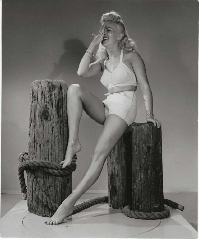 Betty Grable hot loook