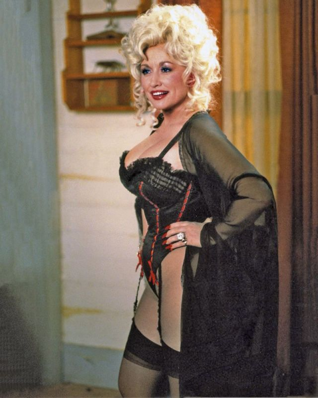 Dolly Parton sexy side boobs pictures