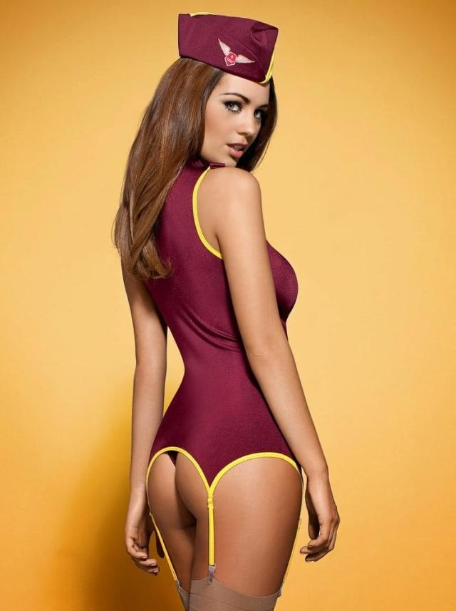 Holly Peers sexy ass pictures