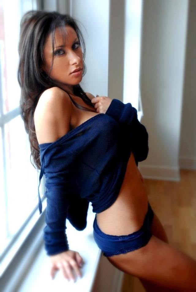 Jenn Sterger sexy side ass pics