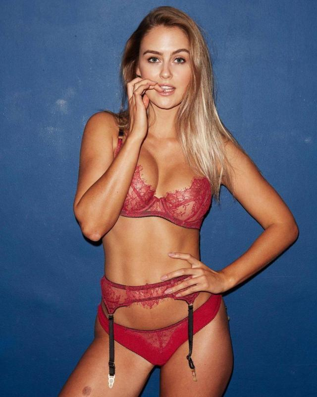 Steph Claire Smith topless pics