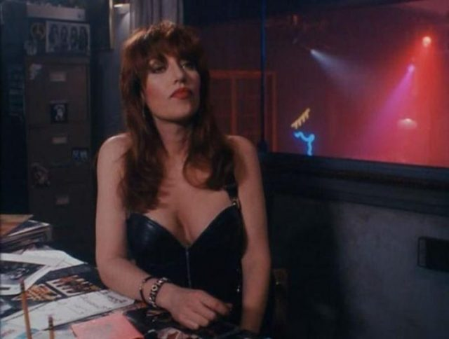 Katey Sagal hot boobs