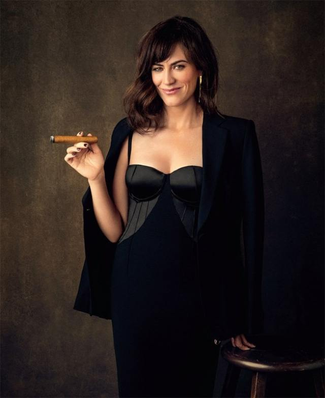 Maggie Siff sexy booobs