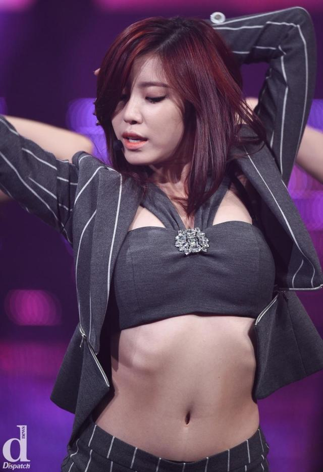Jun Hyoseong hot looks