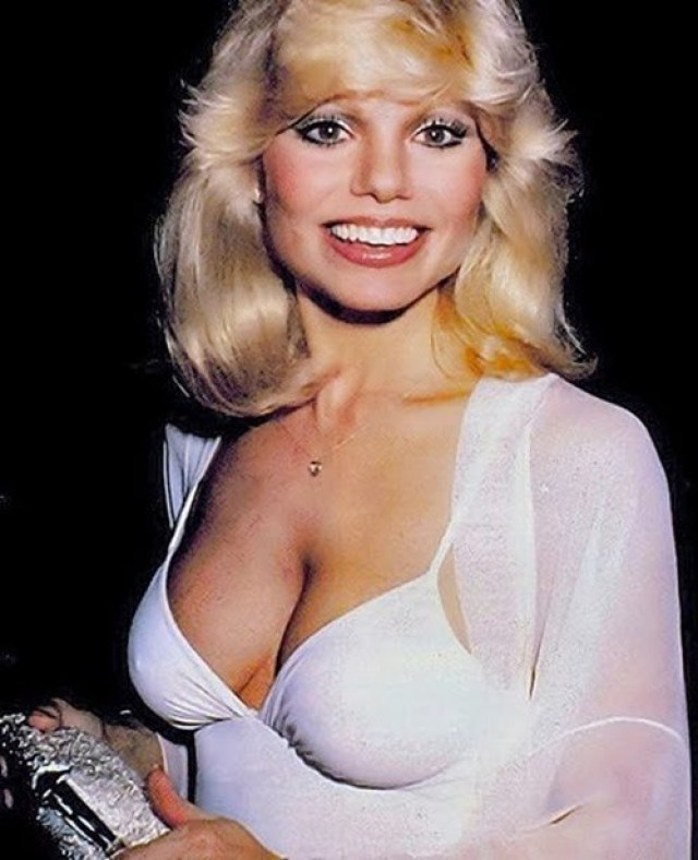 Loni Anderson sexy looks
