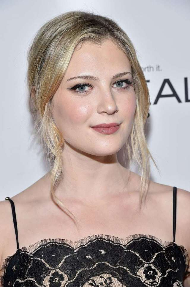 zoe levin awesome