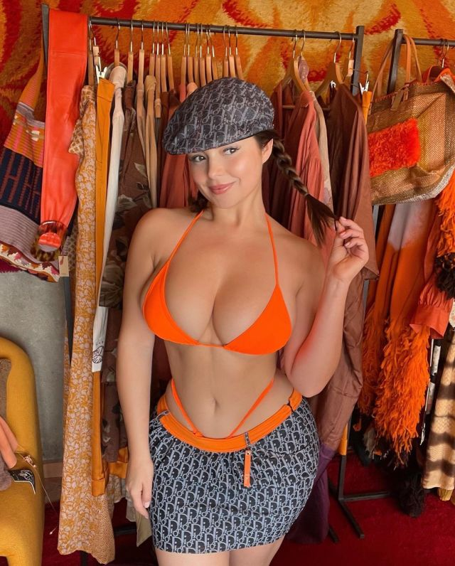 Demi Rose looked marvelous