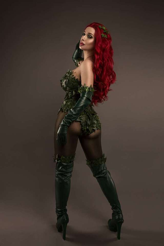 Poison Ivy hot look