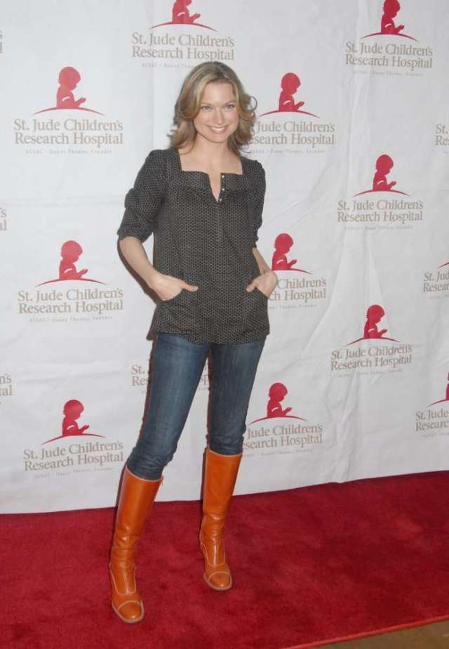 nicole forester red carpet