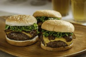 Burger_Maker_Hamburgers_Patties_Ground_Beef_9K2A3505