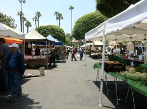 Manhattan Beach Farmers Market @ Metlox Plaza behind the Shade Hotel | Manhattan Beach | California | United States