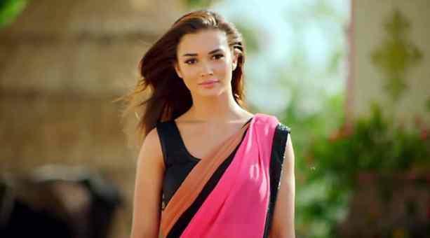 Actresses Under 25 List