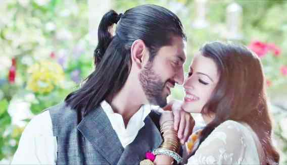 Kunaal Jaisingh and Shrenu Parikh in a still