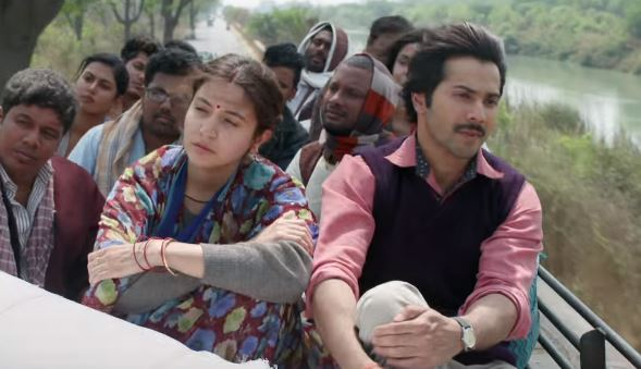 A still from Sui Dhaaga Movie