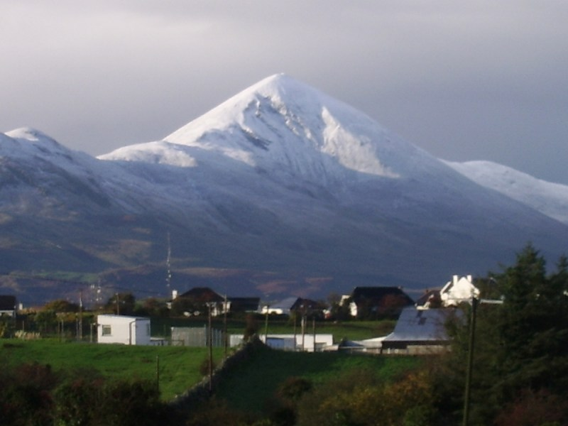 Croagh_Patrick_covered_with_snow