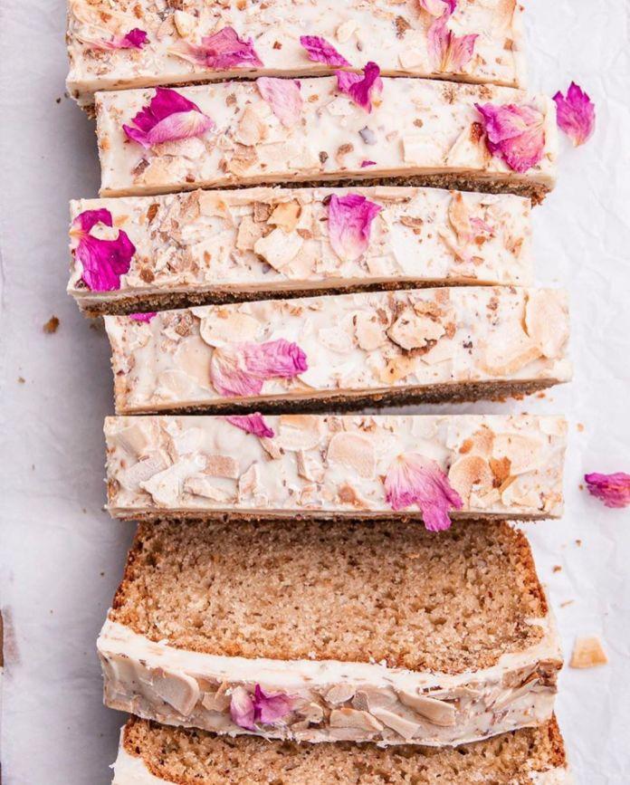 Almond Cake With White Chocolate Crunchy Glaze