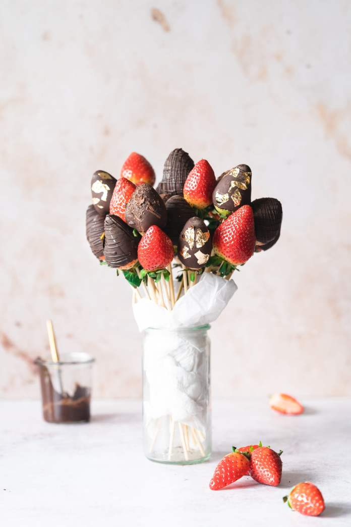 Vegan Valentine's Day recipes: Strawberry bouqet