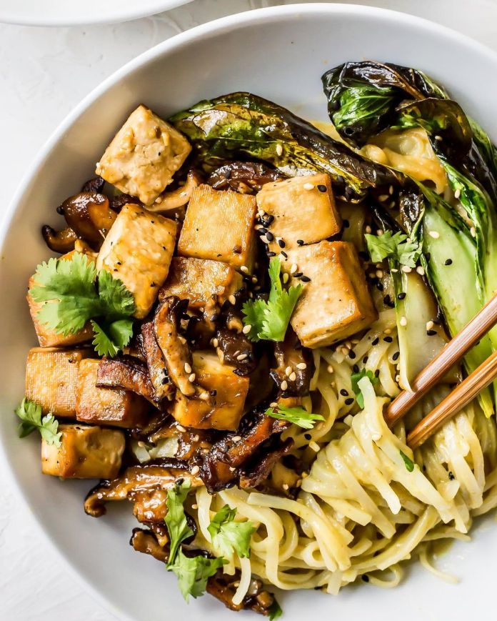 Creamy Vegan Green Curry Noodle Bowls