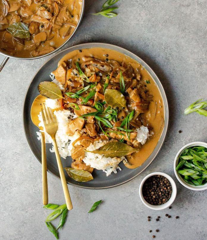 Vegan Filipino Cuisine: Filipino-Style Chick'n Adobo