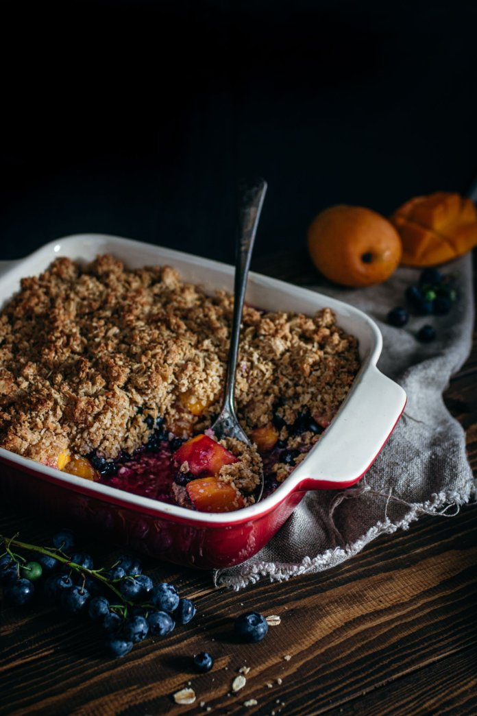 Vegan Blueberry Recipe: Blueberry and Mango Crumble by Murielle Banackissa