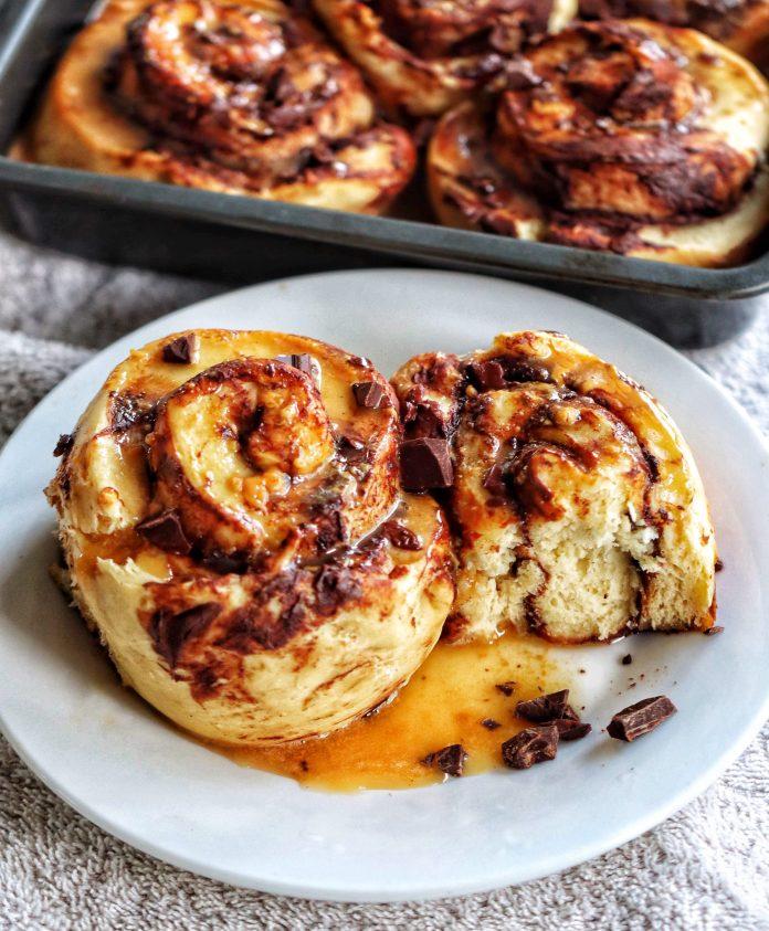 peanut butter chocolate vegan cinnamon bun recipe