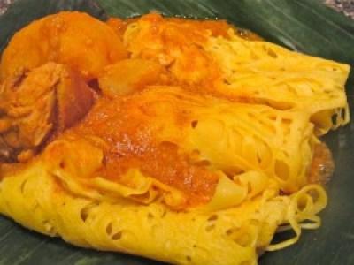 Roti Jala Malaysian foods - Image courtesy- auriasmalaysiankitchen.com