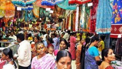 Street shopping in Chennai, India