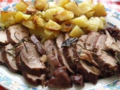 roast beef with potatoes for Christmas dinner