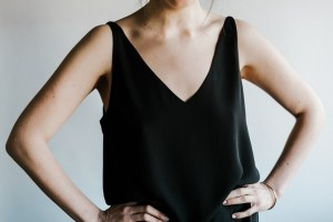 Sleeveless tops-woman travel