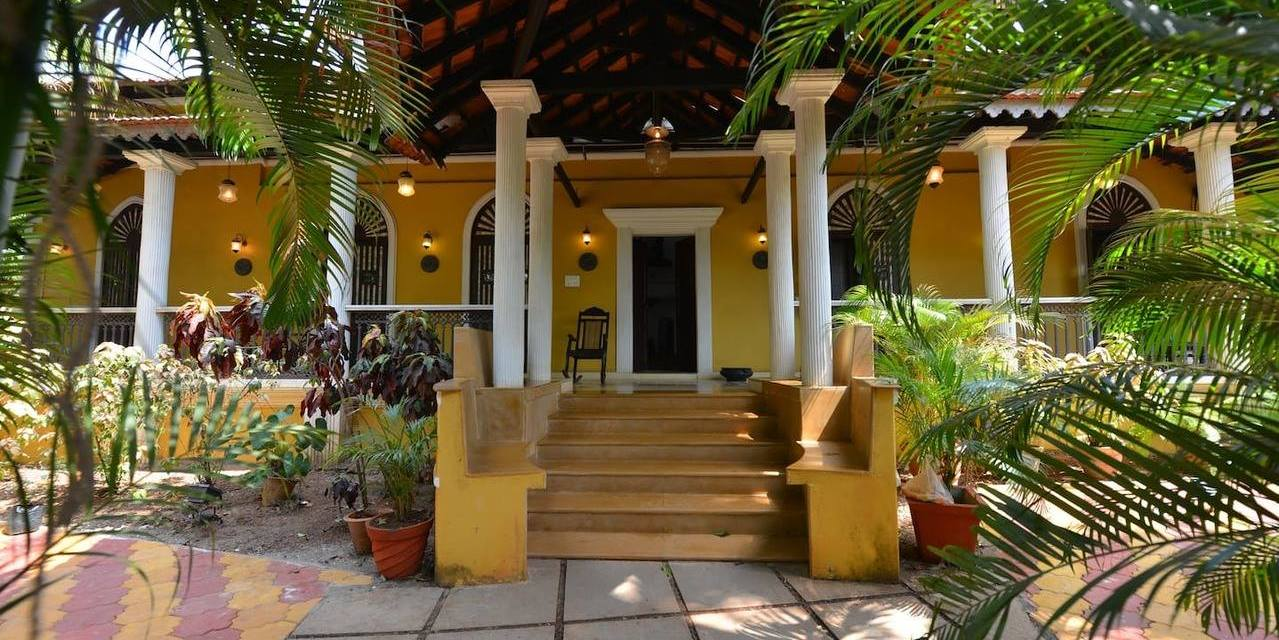 Why Private Holiday Villa Rentals are Great Money Savers?
