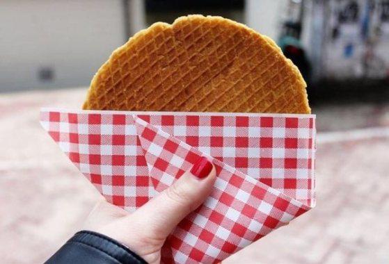 Hot Stroopwafel, street food Netherlands