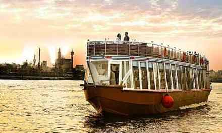 Difference between Dhow Cruise Dubai Marina and Creek