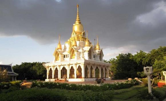 Wat Thai Temple, pilgrimage site