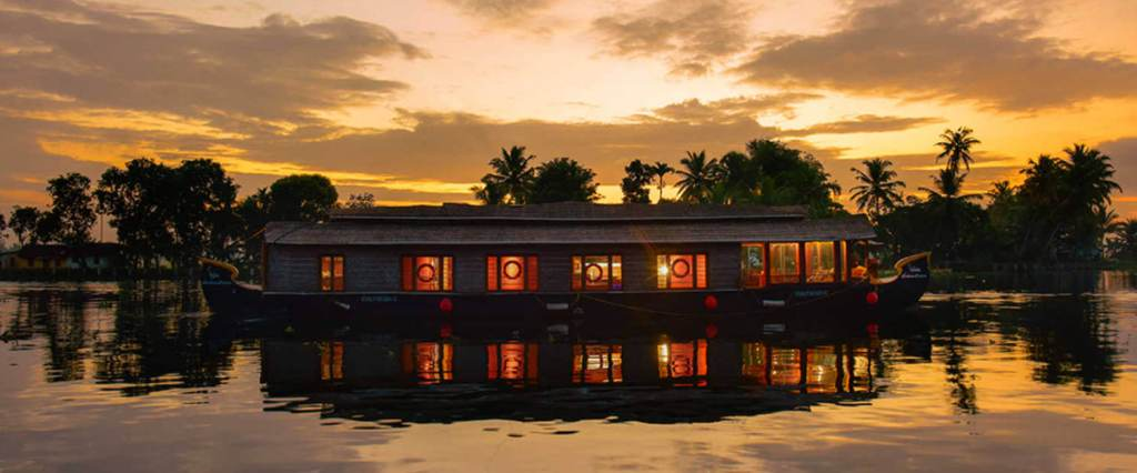 Houseboat cruise, honeymoon Kerala