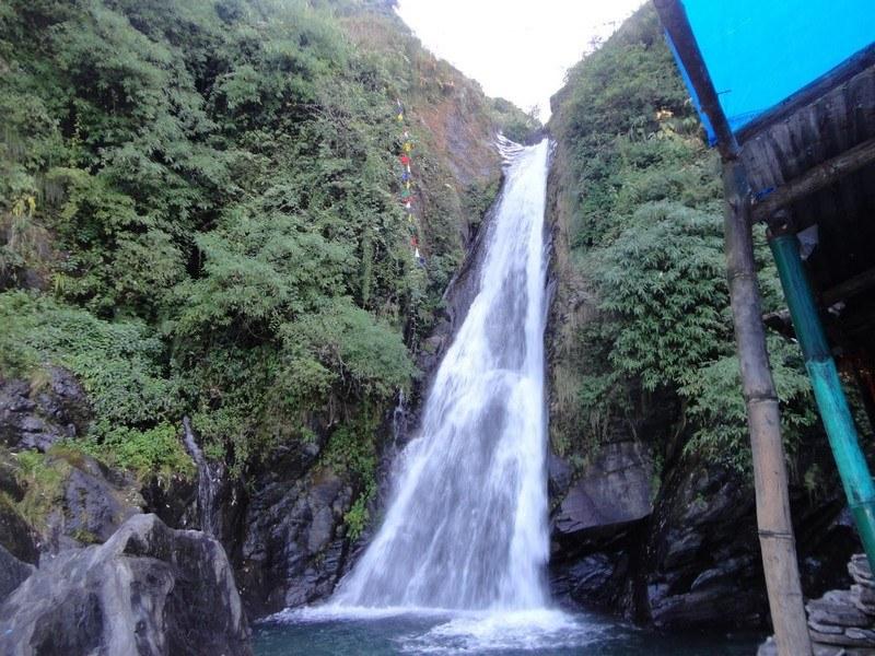 Bhagsunag Waterfall / Bhagsu Falls