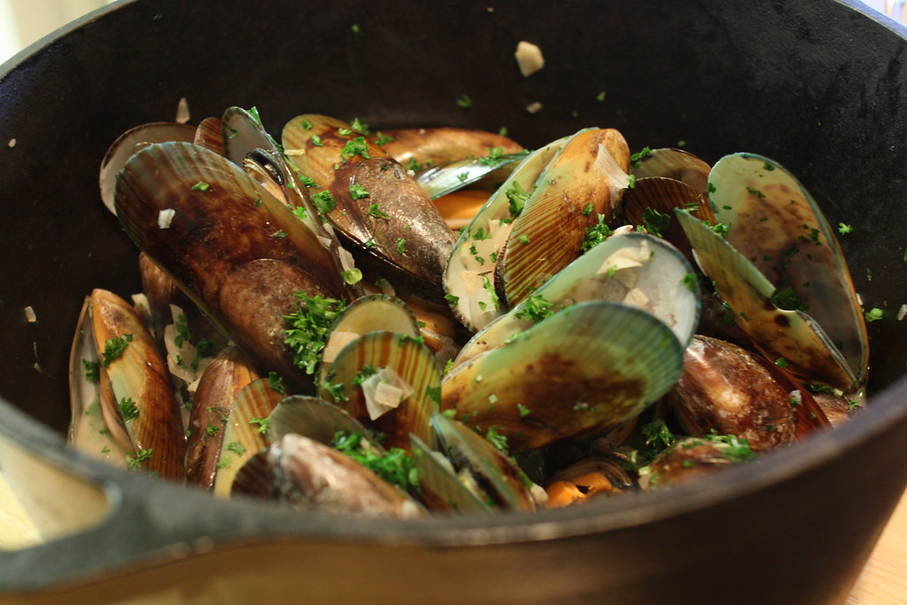 Moules Mariniere with New Zealand Green-Lipped Mussels