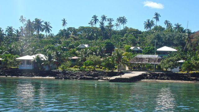 Manono Island