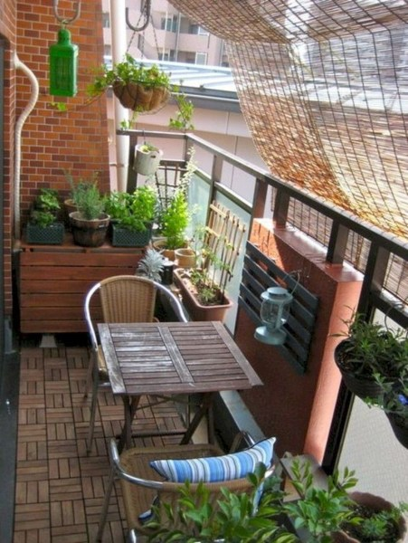 34 Beautiful Apartment Balcony Decoration Ideas Making The Most Out Of Your Balcony 9